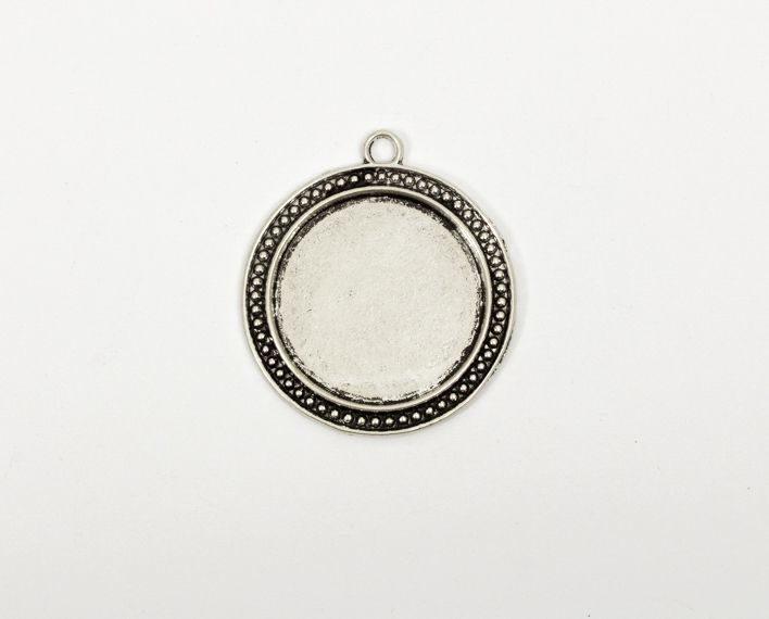 Askaretta Metalli Kapussipohja Pyorea Reunakuvio Iso 1519